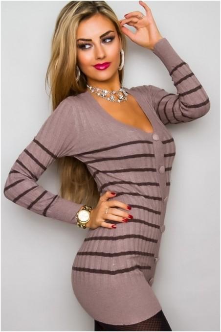 Kakavos spalvos ilgas megztinis su sagutėm