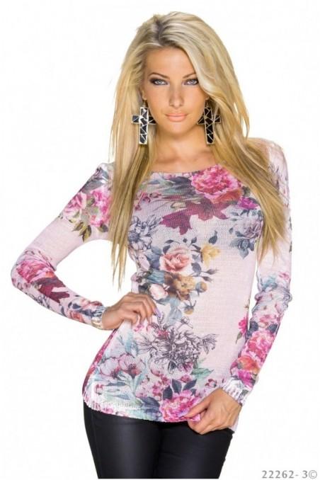 Rožinės spalvos gėlėtas megztinis