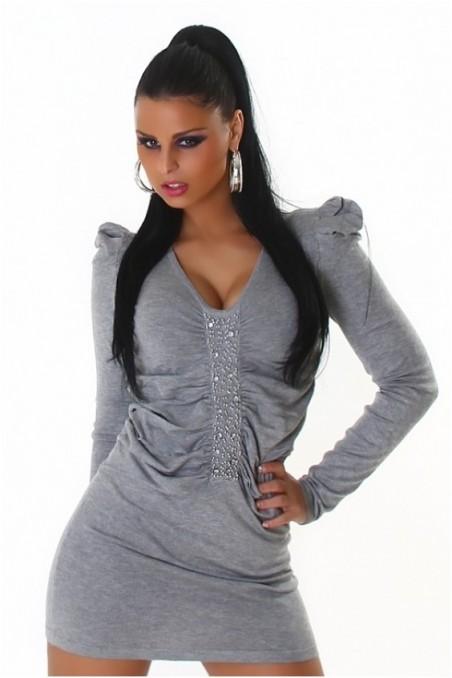 Šviesiai pilka suknelė su papuošimais