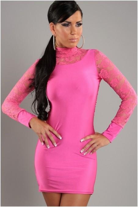 Rožinė trumpa suknelė su gipiūru