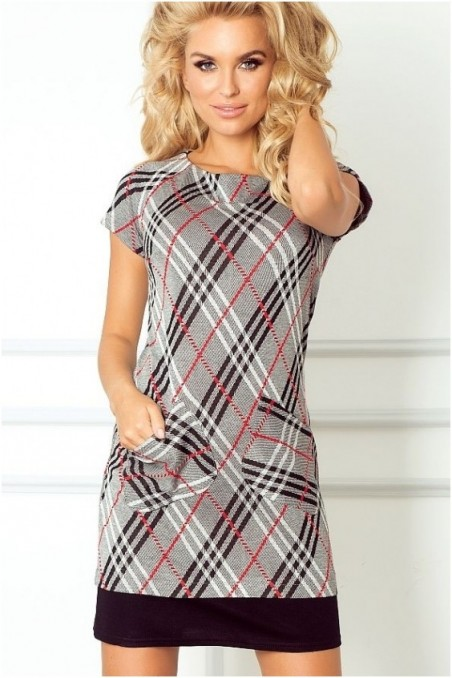 Marga trumpa suknelė su kišenėmis