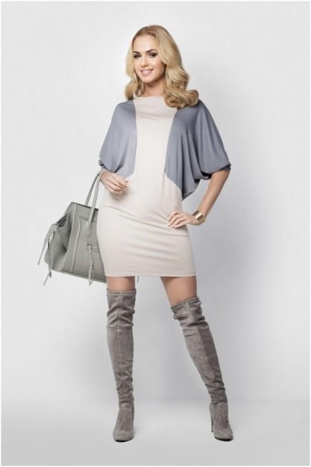 Šviesi su pilka laisvo stiliaus suknelė