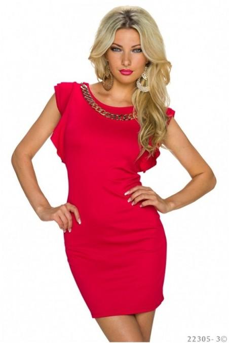 Raudona trumpa suknelė su grandinėle prie kaklo