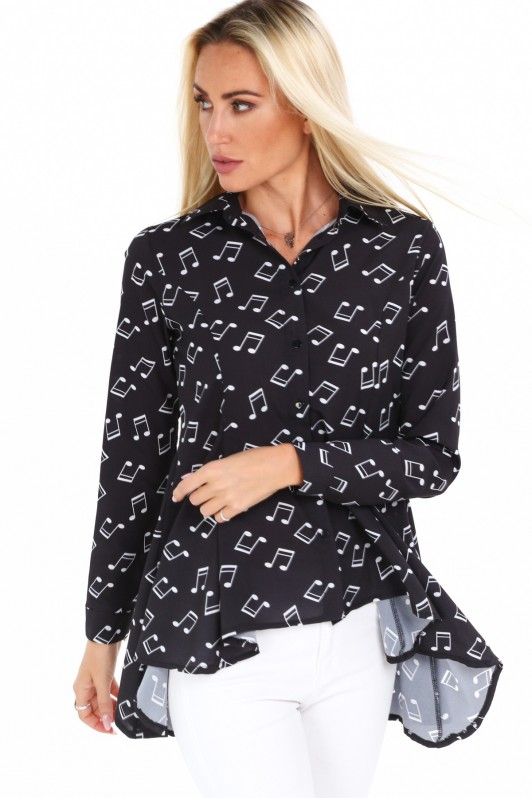 Juodi stilingi marškiniai