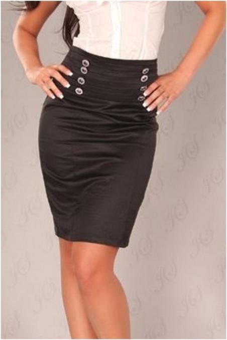Juodas sijonas su sagutėm ant juosmens