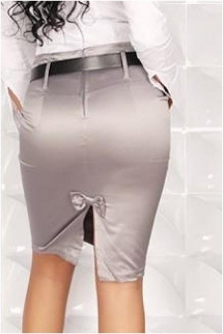 Pilkas sijonas su kaspinėliu gale