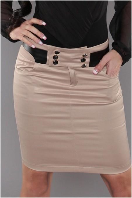 Kremo spalvos, trumpas sijonas su sagutėm ant juosmens