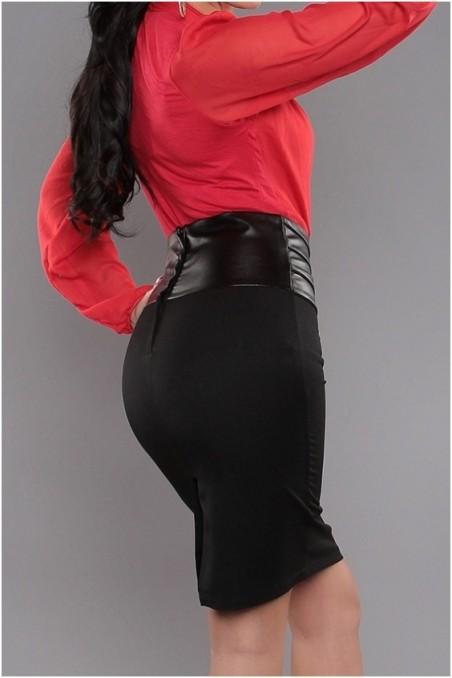 Juodas sijonas su odos imitacija
