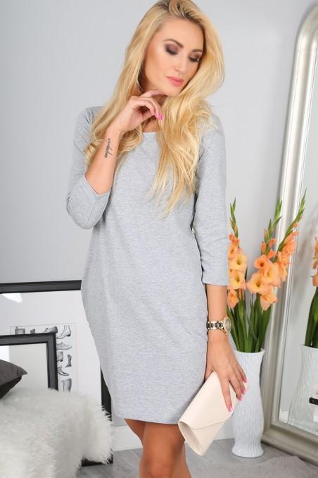 Šviesiai pilka trumpa suknelė su 3/4 rankovėmis
