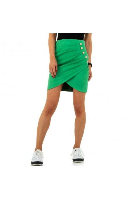 Žalias trumpas sijonas