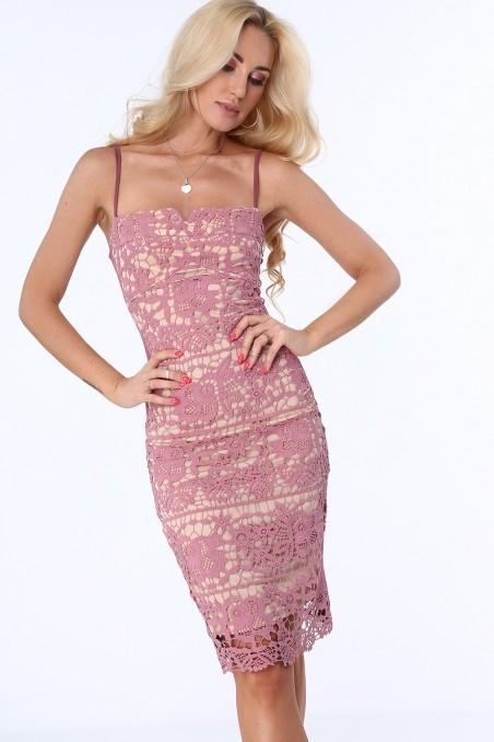 Violetinė nėriniuota suknelė