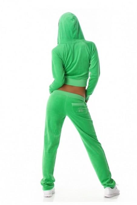 Žalia sportinė apranga