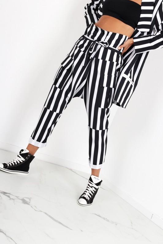 Dryžuotos stilingos kelnės
