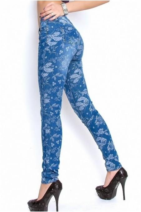 Mėlyni džinsai su gėlėm