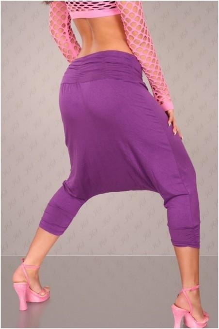 Violetinės kelnės su piešiniu